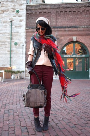 red Scotland scarf - light pink madewell shirt - brick red H&amp;M pants