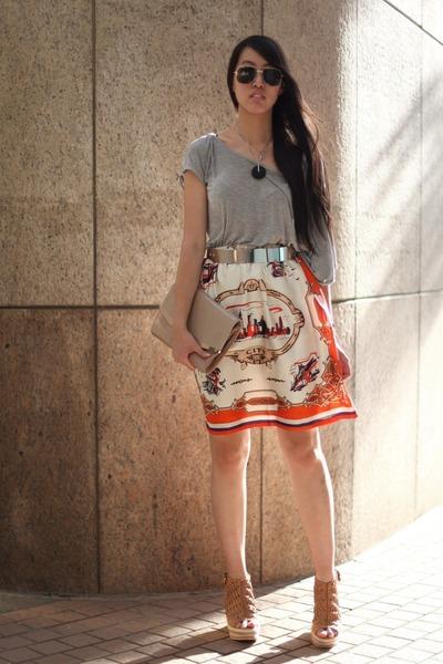 Hong Kong t-shirt - romwe skirt - Hong Kong wedges