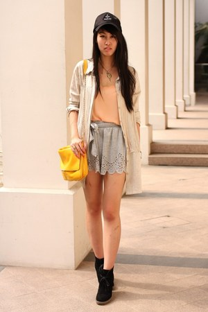 eggshell Initial jacket - yellow Zara bag - silver H&M shorts - light orange ran