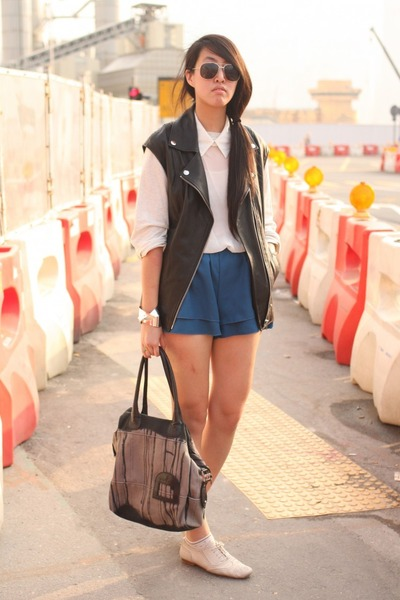 Diesel-bag-korea-shorts-h-m-vest-korea-sweatshirt_400