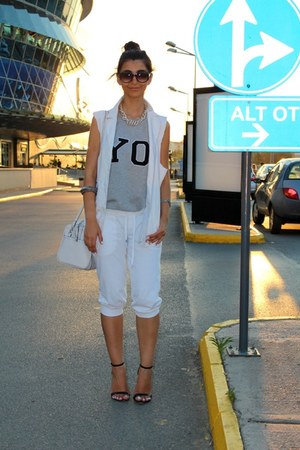 white custom made blazer - Mango bag - white Bodytalk pants - Zara heels