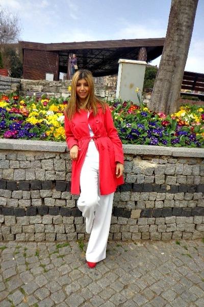 red Tesco F&F coat - red Zara heels - white H&M pants