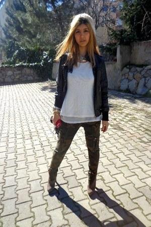 camo Zara jeans - Zara boots - white Zara hat