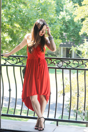 ruby red French Connection dress - white Lulu Frost necklace