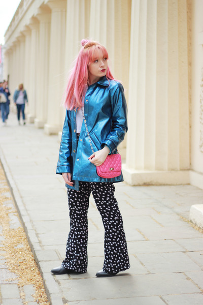 blue metallic yumi direct jacket - black flares asos pants