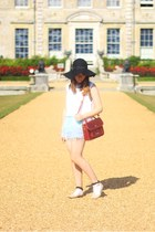 ruby red satchel ted baker bag - black Primark hat