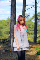 silver metallic River Island skirt - light pink H&M top - white Primark vest