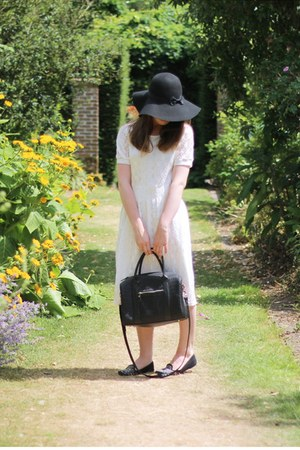 white midi lace Ebay dress - black fedora felt Primark hat