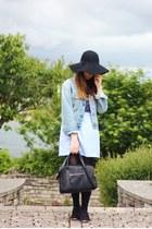 black felt fedora Primark hat - light blue denim vintage Lee jacket