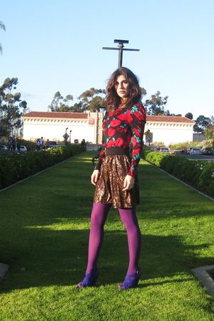 red Forever 21 shirt - gold skirt - purple Forever 21 tights - blue kensie shoes