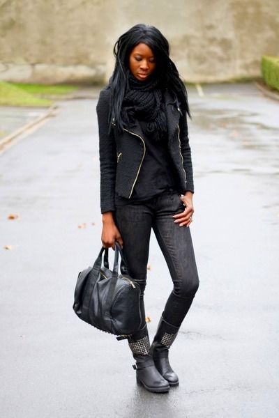 black mizia boots