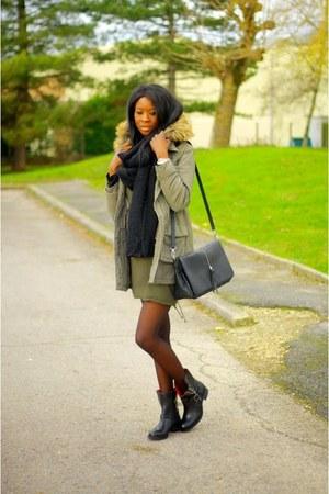 black Kookai boots