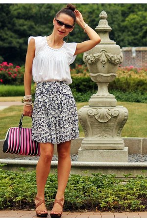 French Connection skirt - Gap shirt - bcbg max azria heels