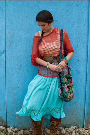aquamarine thrifted skirt - Minnetonka boots - Urban Outfitters bag