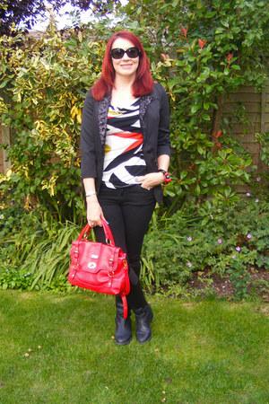 black skinny jeans Gap jeans - black aftershock blazer - ruby red Juno bag