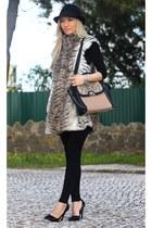 Sfera vest - Zara hat - Zara pumps