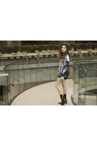 black polyester Clover Canyon sweatshirt - Zara boots - Zara bag