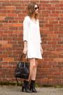 Black-vince-boots-white-zara-dress-black-bucket-madewell-bag