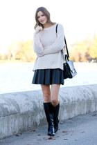 light pink H&M sweater - black kate spade bag