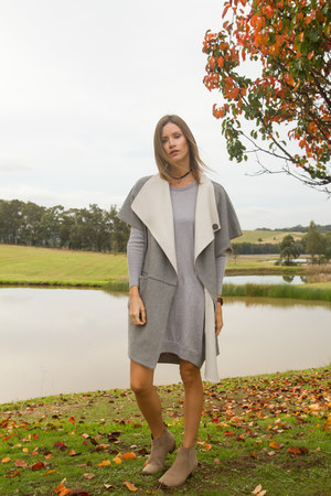 heather gray sweater Saba dress - tan Witchery boots - heather gray Sheike vest