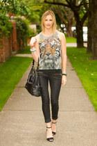 heather gray tiger top XO Bella shirt - black coated denim Zara pants