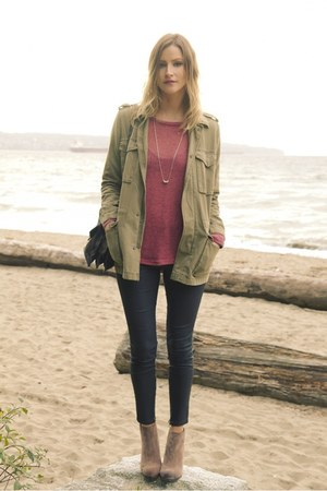 tan Vince Camuto boots - coral cotton on sweater - black Zara pants