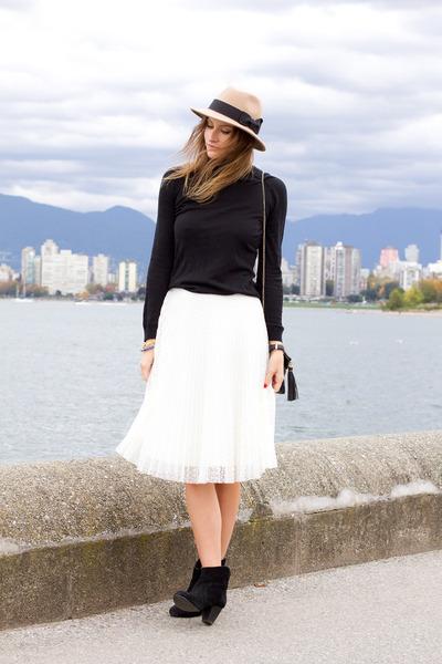 Black-h-m-sweater-white-topshop-skirt