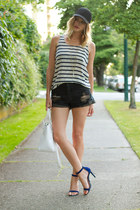 black One Teaspoon shorts - white joe fresh style top - blue Guess heels
