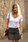 Charcoal-gray-aritzia-skirt-white-witchery-top-magenta-zara-heels