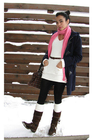 white knitted Star Line dress - dark brown suede boots - navy wool Roxy coat