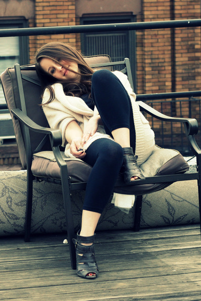 black Splendid leggings - brown Zara shoes - beige BCBG sweater