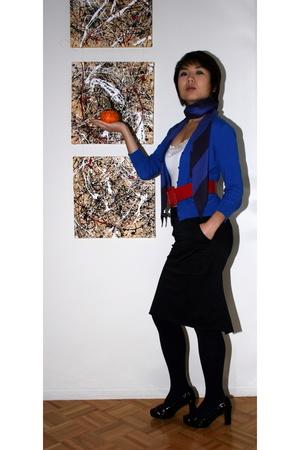Aeropostale top - Jcrew vest - BCBG skirt - Gap scarf - Kokopelli Vera Pella sho
