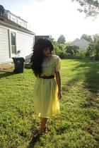 yellow vintage dress - black braided thrift belt - black f21 clogs