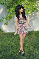 black Forever 21 heels - black thrift belt - red floral vintage romper