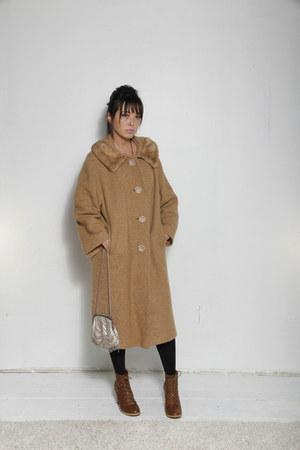 camel thrifted vintage coat - camel vintage coat - silver vintage bag