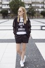 Black-front-row-shop-jacket-light-pink-zara-bag-black-h-m-shorts