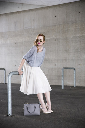 ivory H&M skirt - heather gray Zara bag - cream River Island heels