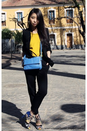 Zara bag - Mango blazer - Mango pants - H&amp;M earrings - Zara top - Zara sandals