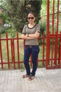 Levis-jeans-mustang-sandals-vogue-glasses-episode-top-massimo-dutti-belt