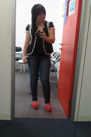 Zara top - Jeans Republic jeans - Pink Lacey shirt - flowery accessories