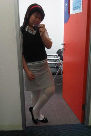white shirt - red Hairband accessories - black vest - heather gray skirt