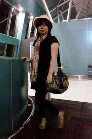 black dress - eggshell hat - black tights - beige scarf - bag - light pink flats
