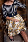 Navy-thrifted-ann-taylor-top-yellow-forever-21-skirt