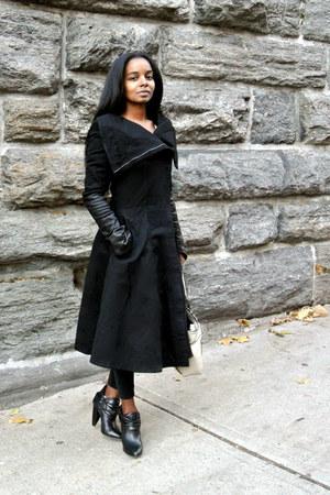Skingraft coat