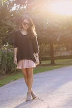 black Forever 21 sweater - light pink Urban Outfitters skirt