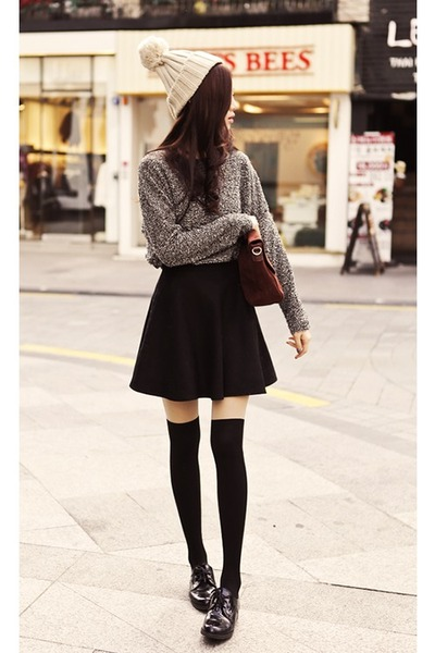 Ebony Skirts Charcoal Shoes Offs White Hats Gray Sweaters Brown