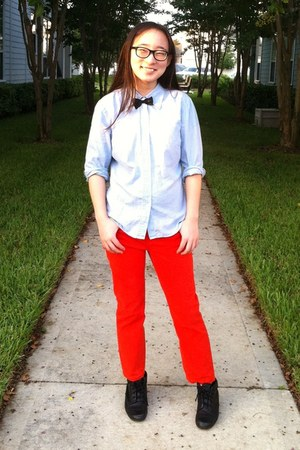 red Loft jeans - black liz baker boots - light blue button up Gap shirt