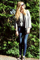 navy dark wash BDG jeans - army green cat-eye Urban Outfitters sunglasses - blac
