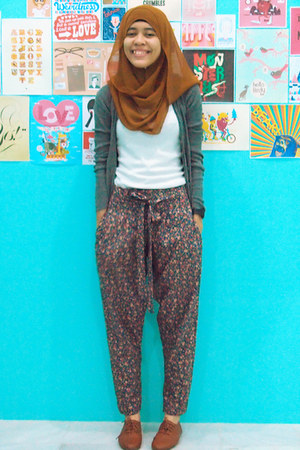 diy pants - brown flats - charcoal gray Dotti cardigan