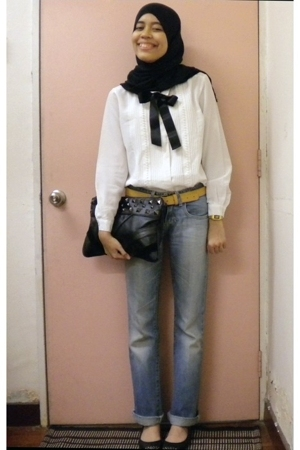 Dotti belt - Zara jeans - thrifted blouse - vintage Casio - Vincci shoes - MNG